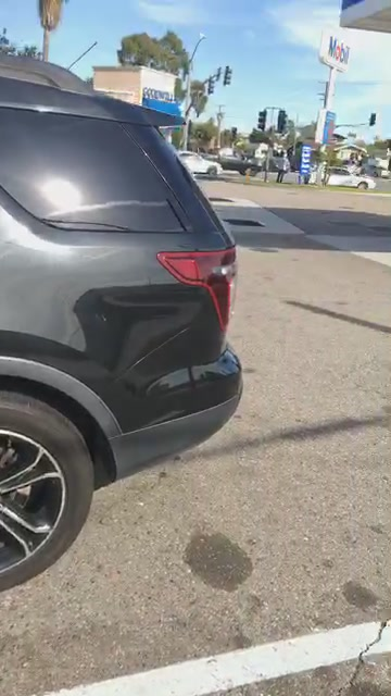 Traveling in Los Angeles & this tire sidewall issue
